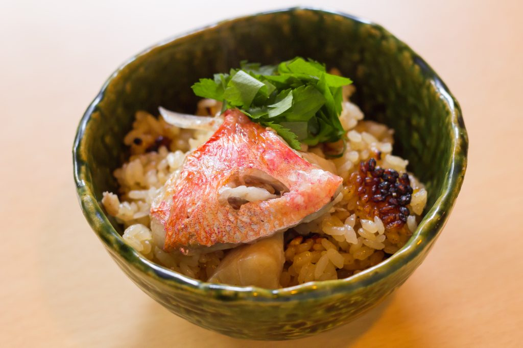 鮮魚とミルキィクイーンの土鍋ご飯
